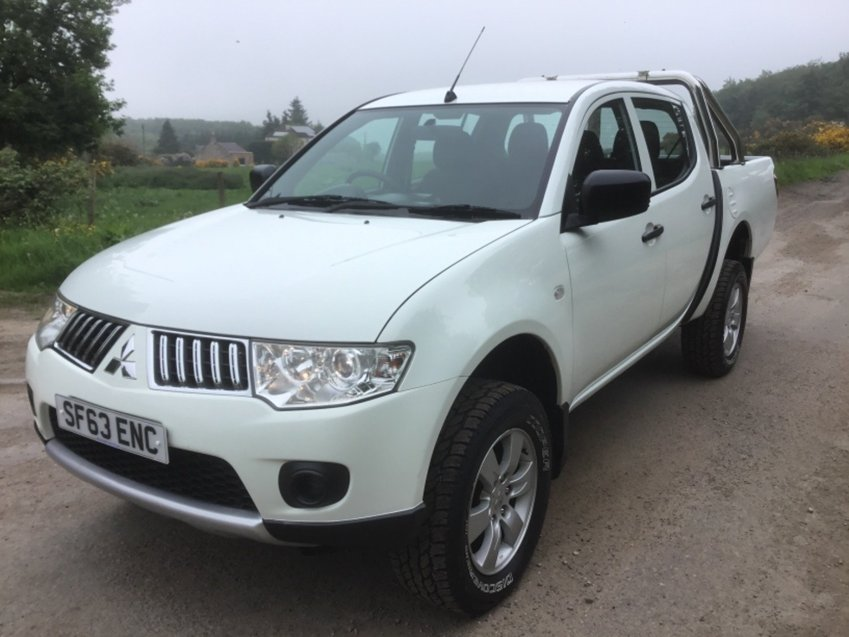 View MITSUBISHI L200 2.5ltr DI-D 4X4 4-WORK DOUBLE CAB PICK UP