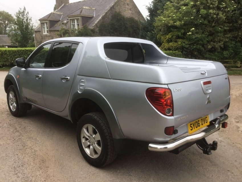 View MITSUBISHI L200 2.5ltr DI-D WARRIOR 4WD DOUBLE CAB PICK UP