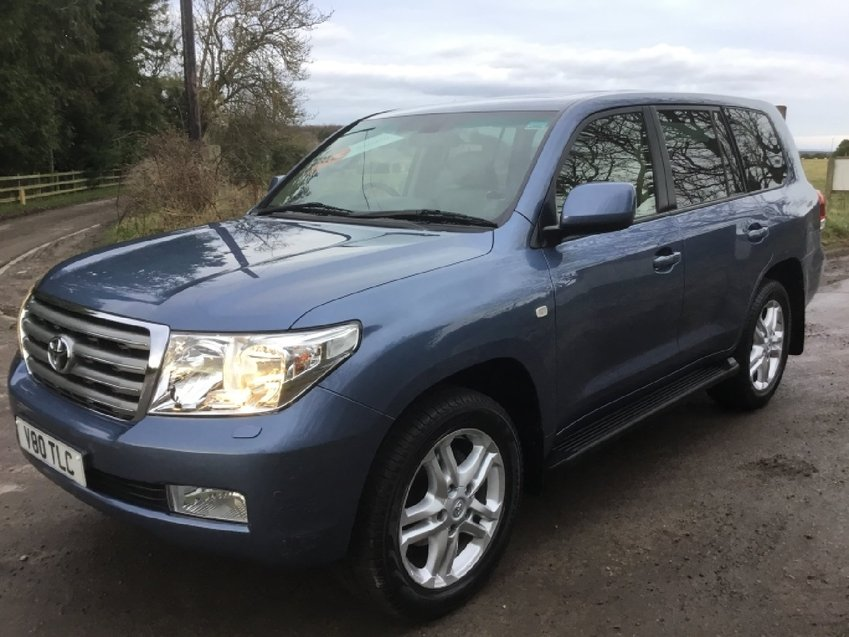 View TOYOTA LAND CRUISER 4.5ltr V8 D-4D AUTO 4x4 7 SEATER ESTATE 285ps