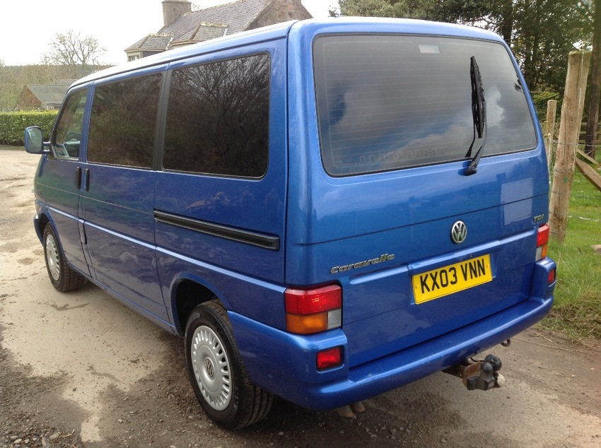 View VOLKSWAGEN CARAVELLE 2.5 TDI SWB 8 seater